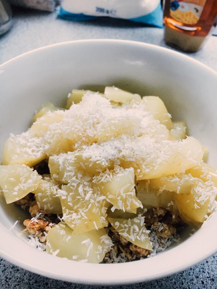 Stewed apples, coconut & muesli crumble.